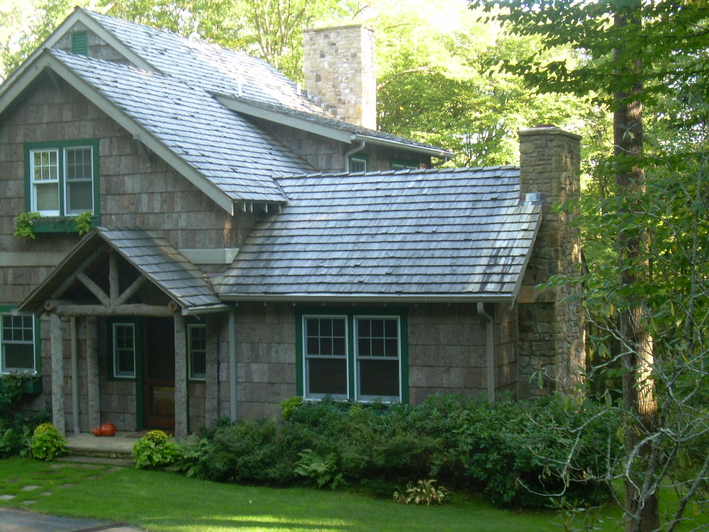 With Chestnut Bark Shingles The Style Of All Saints Church And Other Buildings By Henry Bacon Became Known As Linville Is Typical